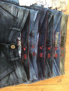 Blue Crafts, Types Of Jeans, Chino Shorts, Denim Fashion, Denim Jeans, Pocket, Model, Pants, Life
