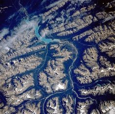 saskatchewan_river-from-space.jpg 601×599 pixels