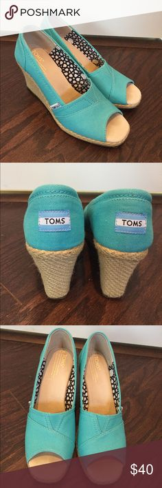 Turquoise Toms Espadrille Wedges Turquoise Toms Wedges size 7 in Excellent condition. These shoes have barely been worn, the insides still look fantastic, which for Toms is big. Toms box is included. Thanks for the look, and Happy Poshing! 💖 TOMS Shoes Wedges