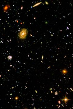 Hubble Images Hubble Ultra Deep Field image that contains hundreds of galaxies. Space Planets, Space And Astronomy, Galaxy Planets, Hubble Ultra Deep Field, Carl Sagan Cosmos, Digital Foto, Hubble Images, Hubble Pictures, Galaxy Images