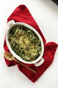 AMAZING Kale and Spinach Dip! So simple, fast and the perfect healthy appetizer! #vegan #appetizer