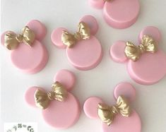 Mini Mouse Cupcakes, Minnie Mouse Cookies, Minnie Mouse Party Decorations, Mickey Mouse, Chocolate Covered Treats, Chocolate Dipped Oreos, Chocolate Strawberries, Birthday Party Treats, Minnie Birthday