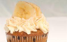 Banana Nut Cupcakes with Cinnamon Buttercream | American Cake Decorating