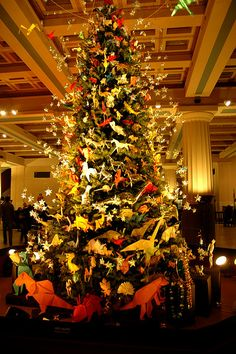 dinosaur christmas tree! NYC by lou reade, via Flickr