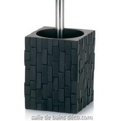 Achevez votre déco avec succès grâce à la Balayette WC Design Angers de Kela au revêtement effet ardoise et à tige en inox. En vente sur Salle De Bains Deco.com