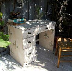 Meubles customis s on pinterest painted furniture - Customiser des meubles ...