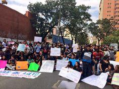 #13F #Protestas #Represión #Venezuela #Censura #Estudiantes #SOSVenezuela #PrayForVenezuela
