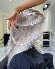 Blonde Hair Shades, Blonde Hair Looks, Brown Blonde Hair, Platinum Blonde Hair, Cool Blonde, Gorgeous Hair Color, Silver Blonde, Aesthetic Hair, Balayage Hair
