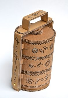ikat bag: Tiffin Carrier from recycled cardboard Cardboard Sculpture, Cardboard Furniture, Cardboard Crafts, Paper Crafts, Cardboard Train, Diy Crafts, Tiffin Carrier, Tiffin Box, Paper Packaging