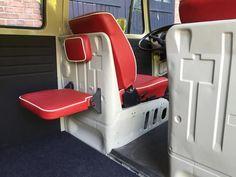 something like this for a seat instead of that bulky thing Vw T3 Camper, Vw Bus T2, T3 Vw, Kombi Motorhome, Volkswagen Bus, Bus Interior, Campervan Interior, Kombi Clipper, Caravan Van