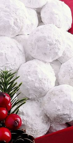 Snowball Christmas Cookies Simply the BEST! Buttery never dry with plenty of walnuts for a scrumptious melt-in-your-mouth shortbread cookie (also known as Russian Teacakes or Mexican Wedding Cookies). Everyone will LOVE these classic Christmas cookies! Christmas Sweets, Christmas Cooking, Noel Christmas, Christmas Goodies, Christmas Candy, Holiday Baking, Christmas Desserts, Holiday Treats, Christmas Recipes