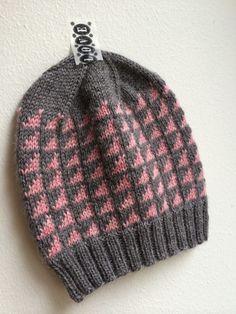 Kerroin viime postauksessani aikovani suunnistaa Kerään lankaostoksille. Kävinkin siellä. Ihanaa, lankalakon saattoi keskeyttää tilapäisesti... Fair Isle Knitting, Crafts To Do, Knitted Hats, Knit Crochet, Sewing, Diy, Crocheting, Fashion, Knitting For Beginners