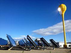 Développée par la société israëlienne Aora, cette fleur carbure aussi bien à l'énergie solaire qu'au biodiesel ou au bio-gaz quand le soleil fait défaut.