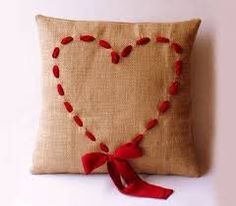 Heart Pillow Tutorial - burlap isn't a favorite material, I think I could figure out something else to use. Diy Valentine's Day Decorations, Valentines Day Decorations, Valentine Day Crafts, Be My Valentine, Holiday Crafts, Valentine Pillow, Diy Decoration, Valentine Ideas, Christmas Holiday