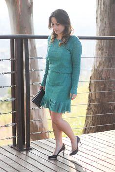Look - Vestido de renda verde + book clutch - Drops das Dez