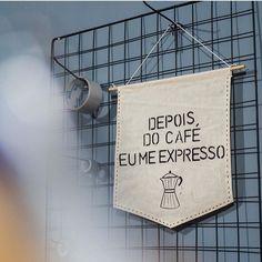 Bandeirinha feita à mão e feita principalmente depois de um bom café ☕️