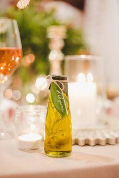 Rozprávková lesná inšpirácia, ktorú sme pre Vás pripravili s časopisom Svadba. - Album užívateľky flordeluxe   Mojasvadba.sk Alcoholic Drinks, Editorial, Magazine, Wine, Table Decorations, Bridal, Glass, Home Decor, Decoration Home