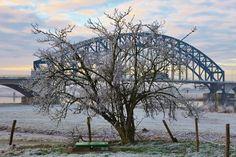 wilma HW61 posted a photo:  De IJsselbrug vormt de verbinding over de IJssel tussen Zwolle en Hattem. Enkele honderden meters van deze brug ligt de Nieuwe IJsselbrug in de A28 en een Hanzeboog op de spoorlijn Utrecht - Zwolle.  De IJsselbrug is sinds 1999 een rijksmonument.  -------------------------------------------------------------------------------------  The IJsselbrug forms the connection over the IJssel between Zwolle and Hattem. A few hundred meters from the bridge to the New…