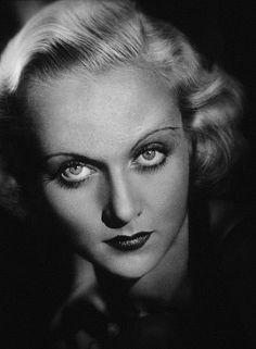 Carole Lombard, 1937.