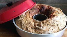Brot backen im Omnia-Backofen – schnell und einfach  Im Omnia-Backofen kann man ein Brot sehr gut mit einer Brotbackmischung backen. Allerdings können diese Backmischungen auch Unvertr…