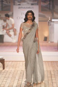 Monisha Jaising. AICW 15'. Indian Couture. Sari Design, Sari Blouse Designs, Fancy Blouse Designs, Dress Indian Style, Indian Dresses, Saree Gown, Saree Blouse, Satin Saree, Indian Wedding Outfits