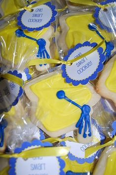 cute graduation cookies