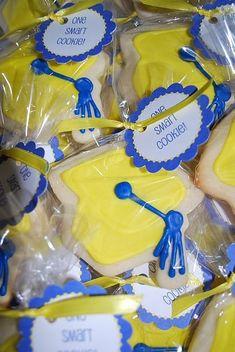 cute graduation cookies