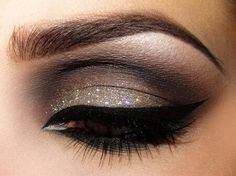 I always did love the exotic and dramatic makeup rather than natural stuff and light makeup