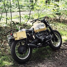 Aïe • brothermoto: Beautiful R75 scrambler. #r75...