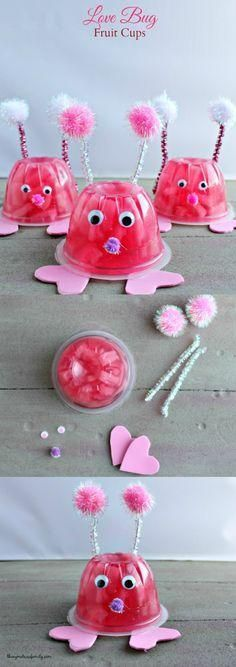 Day Ideas for Kids - Love Bug Fruit Cups Love Bug Fruit Cups are a perfect Valentine's Day snack or class gift.Love Bug Fruit Cups are a perfect Valentine's Day snack or class gift. Kinder Valentines, Valentines Day Treats, Valentine Box, Valentine Day Crafts, Kids Valentines Party Food, Valentine Crafts For Toddlers, Walmart Valentines, Valentine's Day Crafts For Kids, Valentine Activities