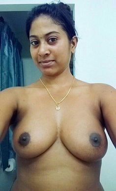 nude selfie Aunty