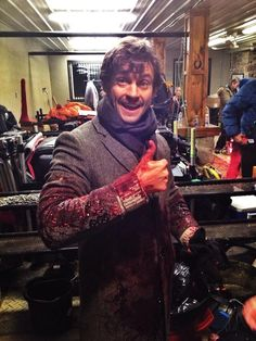Twitter / Bryan Fuller. #HANNIBAL WISHES YOU A BLOODY GOOD DAY pic.twitter.com/Wr42Loj8Rc