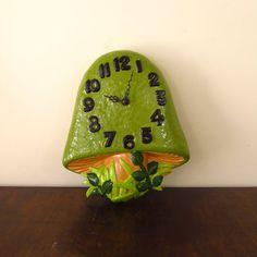 Fun, retro mushroom clock!