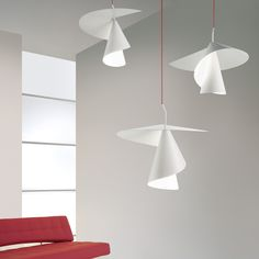 A twisting lampshade made of matte white painted aluminium gives the pendant light Spiry its unmistakable design. Manufactured by Axo Light, founded in Venice in Modern Lighting, Lighting Design, Pendant Lamp, Pendant Lighting, Modern Pendant Light, Luminaire Original, House Lamp, Appartement Design, Interior Minimalista