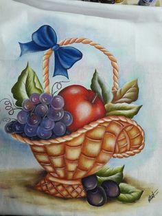 Pintura de Frutas em Tecido: Dicas e Riscos +24 Fotos Fruit Painting, Painting For Kids, Fabric Painting, Diy Painting, Art For Kids, Flower Art Drawing, Butterfly Drawing, Polka Dot Art, Fabric Paint Designs