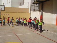 Los deportes alternativos a través de una metodología comprensiva: patinaje en la escuela. Pablo Infante Bueso. Universidad de Valladolid. Facultad de Educación de Segovia. Thesis, Basketball Court, Roller Blading, School, Games, Sports