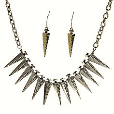 Inland Fashion's Spiker Chain for those who like a spiky statement maker!