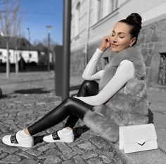 Dámska chlpatá hrubšia vesta na jar Faux Fur Vests, Nasa, Outfit Of The Day, Sneaker, Gray, Clothes For Women, Leather, Today's Outfit, Outerwear Women