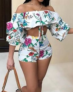 Floral Print Puff Sleeve Cropped Top&Shorts Set – bodyconest two piece outfits,suits for women,suits,suits set women Sexy Outfits, Trendy Outfits, Summer Outfits, Cute Outfits, Fashion Outfits, Fashion Shorts, Simple Outfits, Style Fashion, Cropped Tops