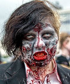 Zombie faces 10 halloween costumes spotted on instagram love the easy do it yourself creepy halloween makeup to use solutioingenieria Images