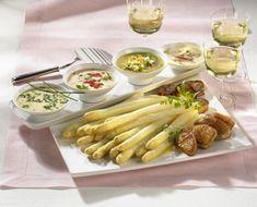Unser beliebtes Rezept für Spargel mit vier Soßen und Filet-Medaillons und mehr als 55.000 weitere kostenlose Rezepte auf LECKER.de.