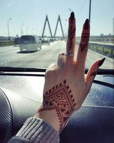 (notitle) - p h o t o g r a p h y - Henna Designs Hand Henna Tattoo Designs Simple, Finger Henna Designs, Mehndi Designs For Beginners, Mehndi Designs For Girls, Unique Mehndi Designs, Henna Designs Easy, Beautiful Mehndi Design, Mehandi Designs, Mehandi Henna