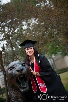 University of Houston Senior Graduation Portraits Houston TX www.instagram.com/tracimariePhoto - www.traci-marie.com / www.facebook.com/tracimariePhoto