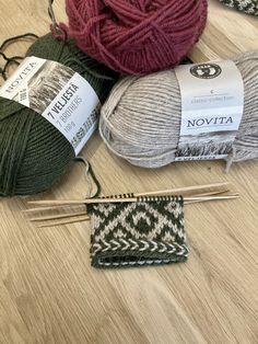 Novita Hiihtoloma-KAL 2021 Classic Collection, Mittens, Knitted Hats, Winter Hats, Knitting, Fingerless Mitts, Tricot, Breien, Fingerless Mittens