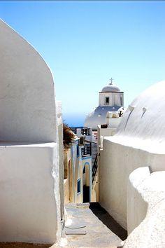 A little path in Fira, Santorini