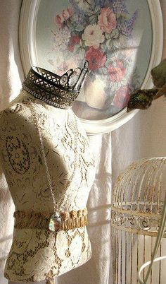 Lace Dress Form... (375×640)