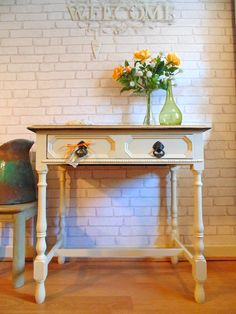 Wonderful Solid Oak Sie/Console Table Painted in Farrow & Ball Estate Eggshell Shabby Chic
