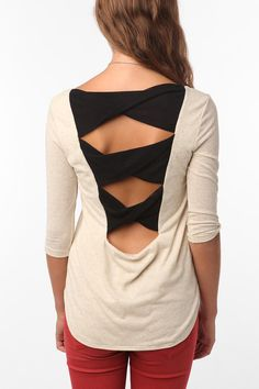 Tela Twist Back Bow Top - Urban Outfitters