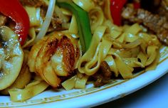 Stir Fry Noodle with Shrimp and Beef. Authentic Cantonese Cooking.