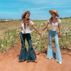 Cowgirl Style Outfits, Country Outfits, Western Outfits, Western Wear, Stylish Outfits, Fall Outfits, Cute Outfits, Fashion Outfits, Cute Senior Pictures
